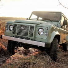 Polish firm will build or restore original Land Rover Defenders