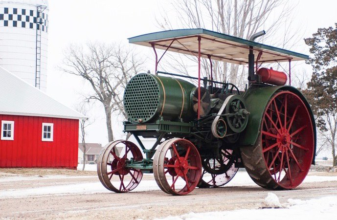 95 percent sell-through at Mecum's vintage tractor auction