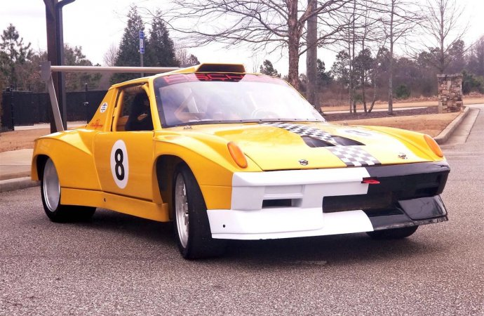 This Porsche 914-6 built to go racing