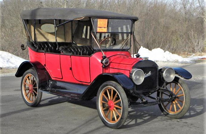 Century-old Maxwell Model 25 five-passenger touring car