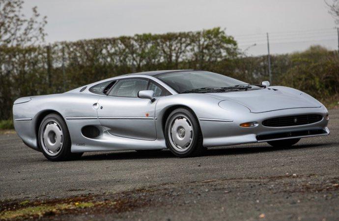 Jaguar XJ220s top Silverstone Auctions