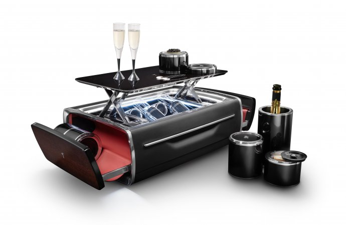 Rolls-Royce unveils $47,400 champagne chest