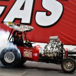 Winged-Express-Fuel-Altered-rips-up-the-track-2420-Howard-Koby-photo-1