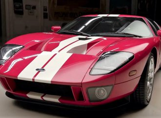 Jay Leno hosts Camilo Pardo to explain Ford GT design