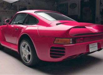 Porsche 959 supercar hosted, driven by Jay Leno
