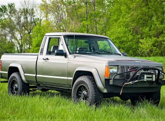 Off-road hauler 1990 Jeep Comanche ready for rough stuff