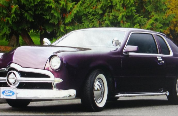 This '86 Thunderbird looks a lot like a '49 Ford