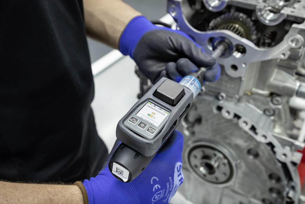 Mercedes 4-cylinder, Mercedes-AMG launches 416-horsepower 4-cylinder engine, ClassicCars.com Journal