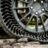 GM, Michelin want to take the air out of tires