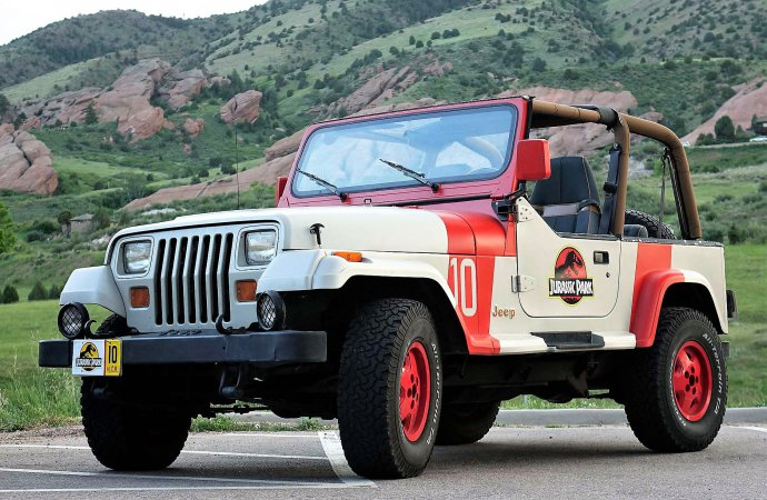 'Jurassic Park' Jeep Wrangler re-creations on dinosaur trail