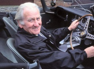 Norman Dewis, famed Jaguar test engineer, dies at 98
