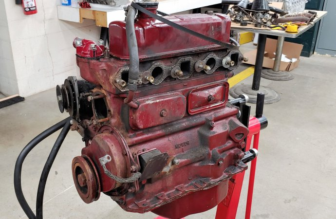 Spring cleaning of MGB engine, transmission reveals some needs