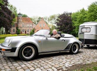 Porsche 911 Speedster tows matching vintage trailer