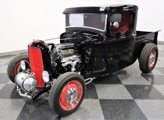 Old-school hot rod: 1932 Ford pickup with the right details