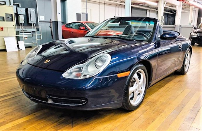 Headlight design holds down prices for Porsche 996 sports cars