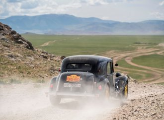 87-year-old driver wins Peking to Paris rally for third time
