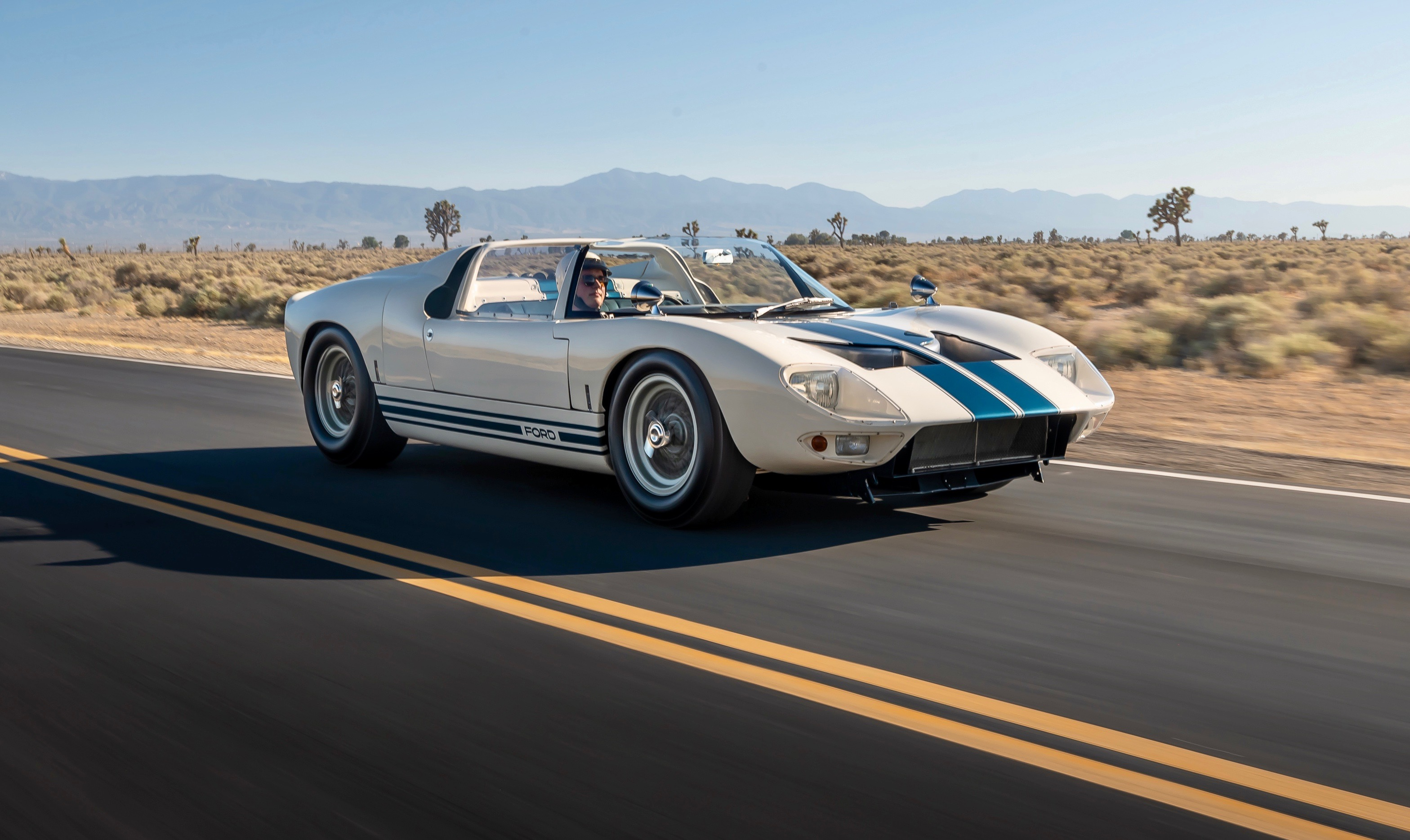 Ford Ford Auction >> Rm Sotheby S Offers Full Ford Gt Lineage At Monterey Auction