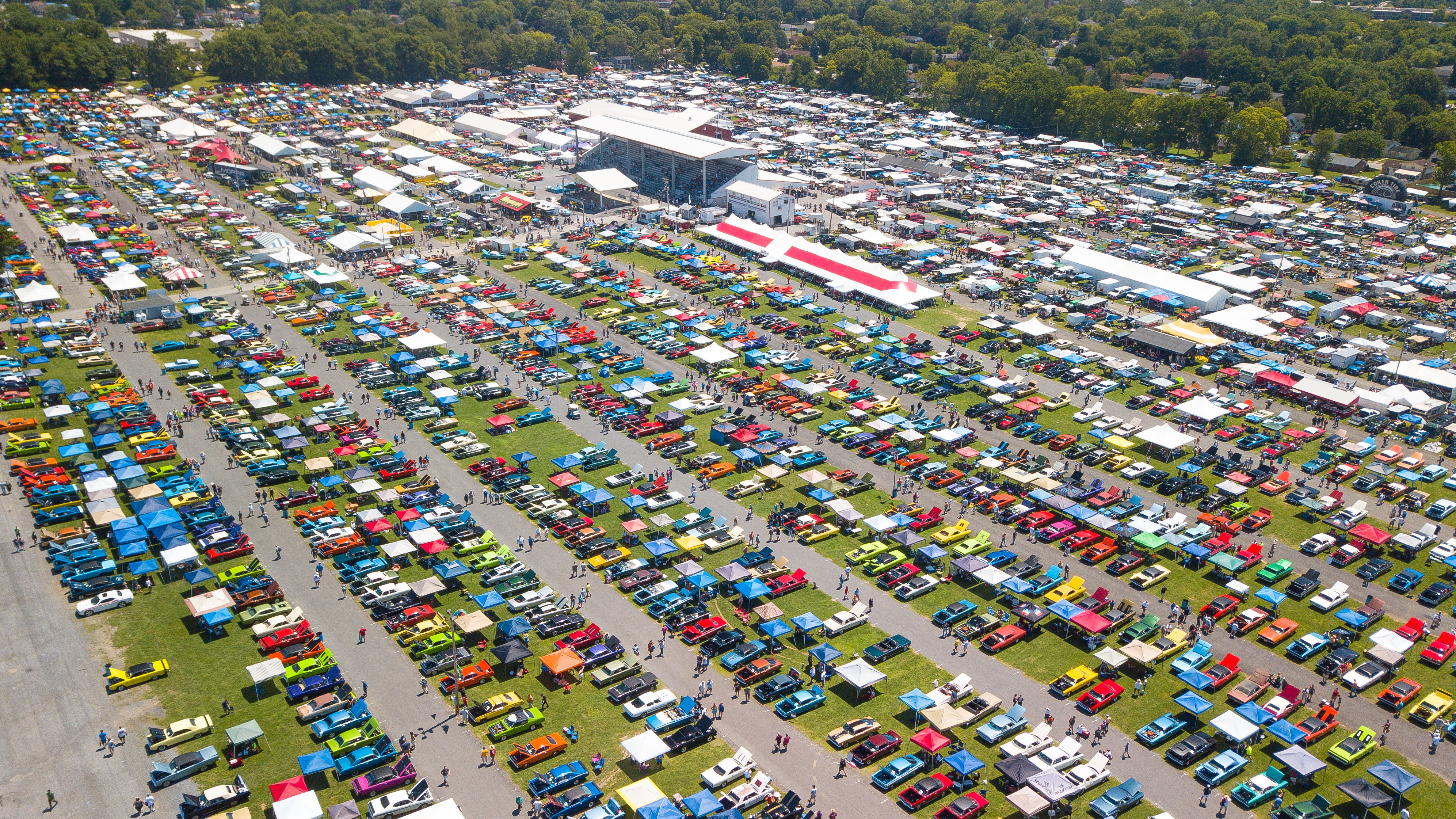 Chryslers At Carlisle >> Record Turnout For Carlisle Chrysler Nationals Car Show