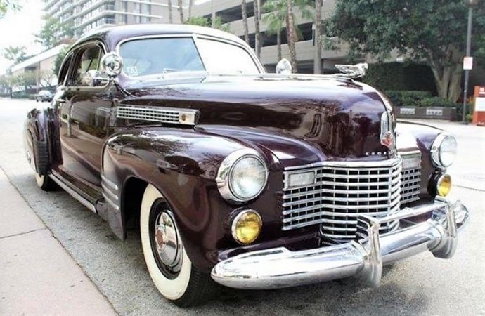 Stylish 1941 Cadillac Sedanette rivals design of pricey Bentley
