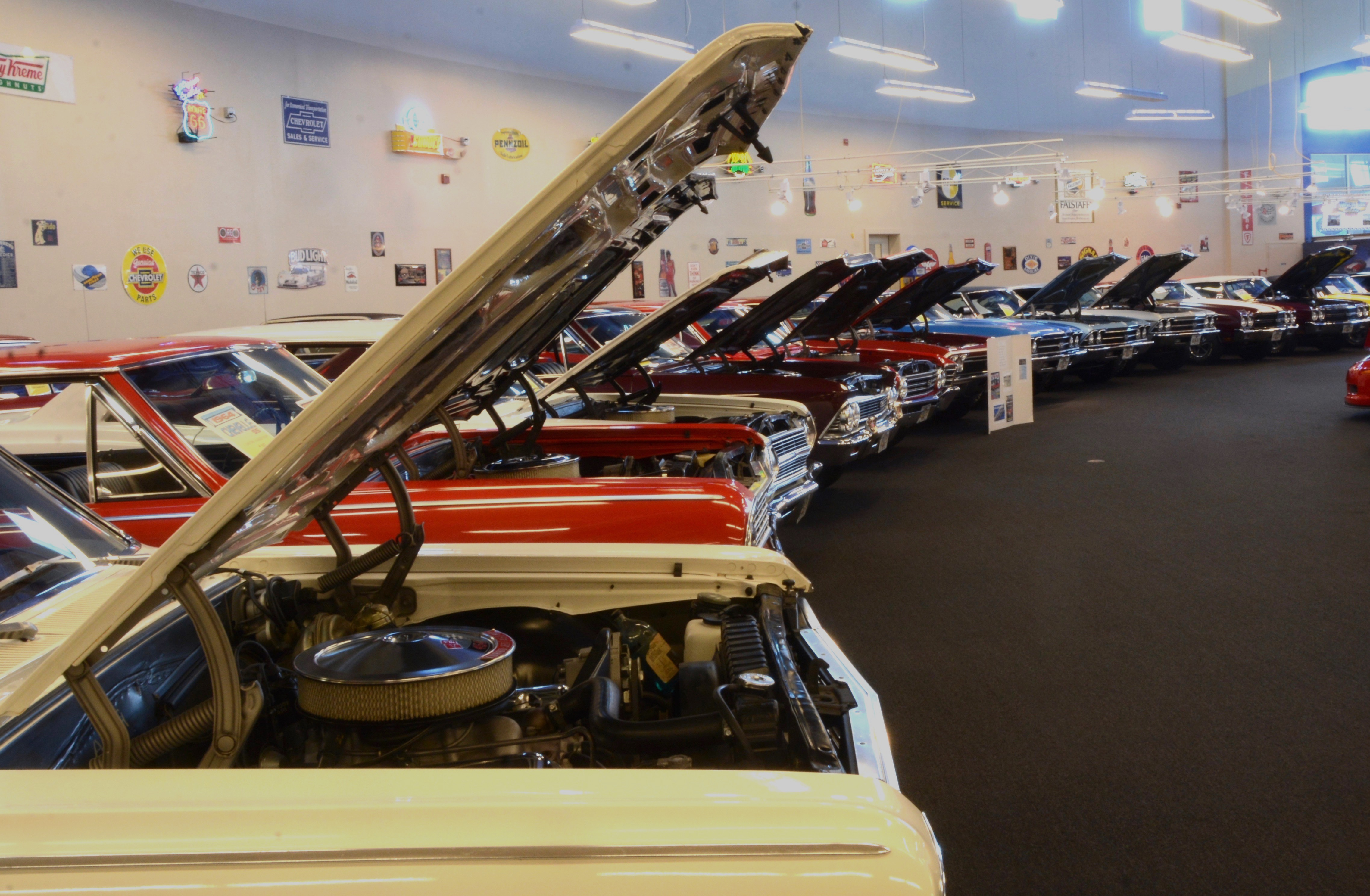 museum, One museum features mini-Indy, but another museum is closing, ClassicCars.com Journal