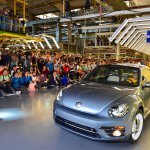 Iconic_Volkswagen_Beetle_Ends_Production-Large-10025