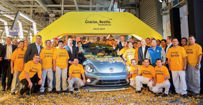 Final Beetle, VW builds its last Beetle, ClassicCars.com Journal
