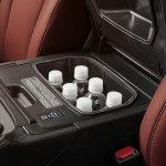 Lexus-Model-LX-570-coolbox-comfort-and-design-1204×677-LEXLXGMY160022