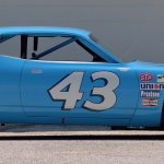 PA19_1971 Plymouth Road Runner Richard Petty NASCAR_S100_Side