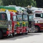 Retro truck show lr