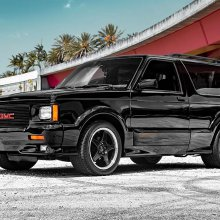 Hot-compact SUV 1993 GMC Typhoon with turbo V6