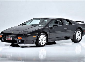 High-spirited 1990 Lotus Esprit Turbo SE, an affordable exotic sports car