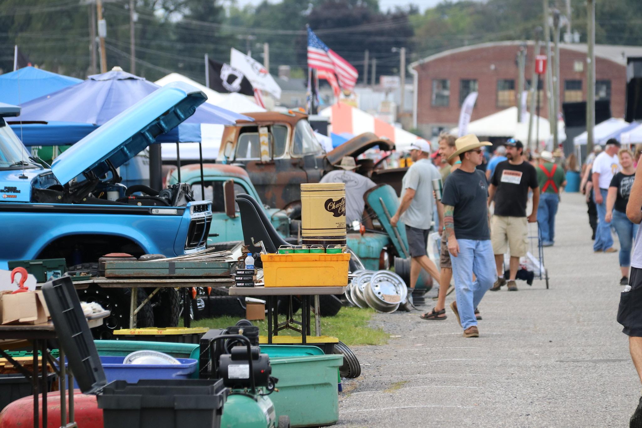 Carlisle Truck Nationals, Carlisle Truck Nationals provides 1,700 vehicle showcase, ClassicCars.com Journal