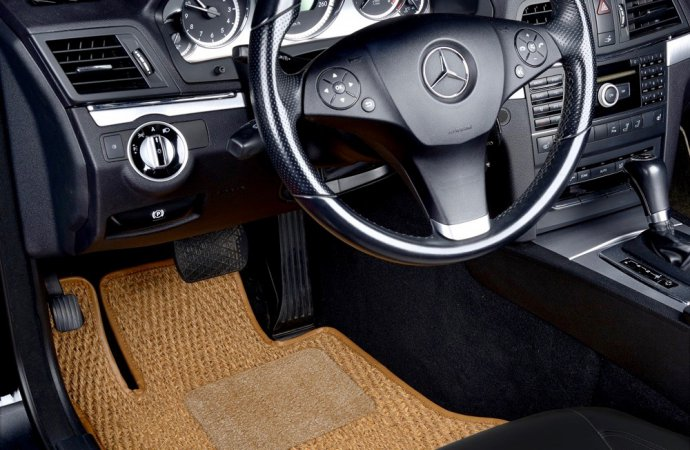 Coco floor mats are back, and in multiple colors