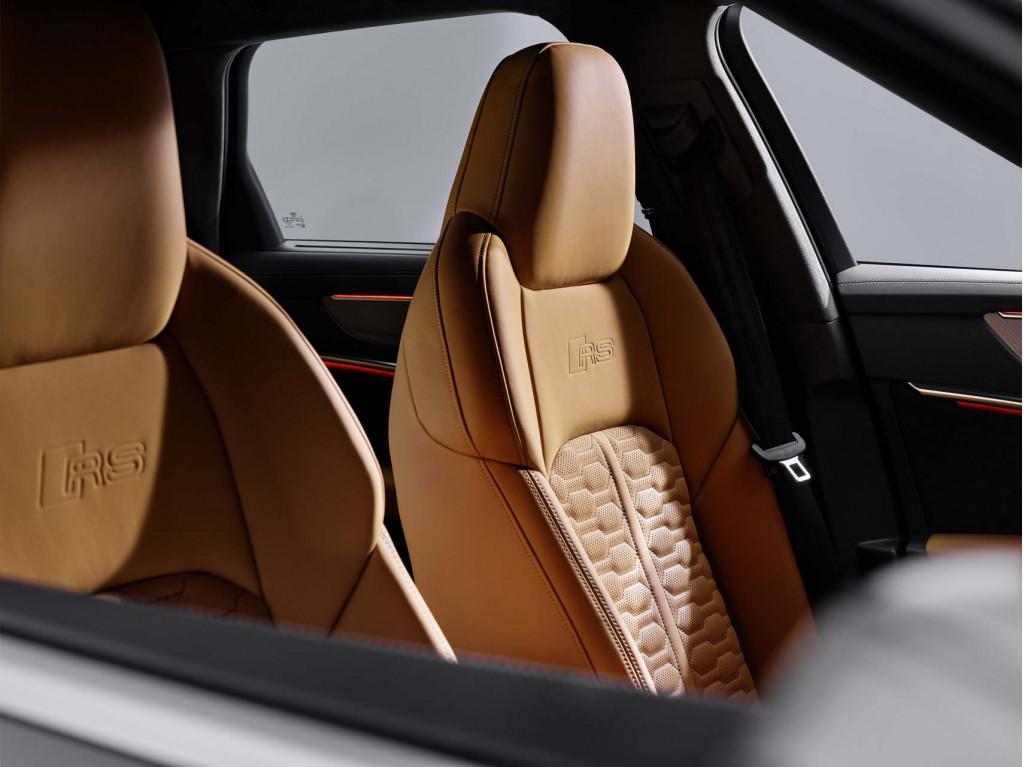 RS 6 interior
