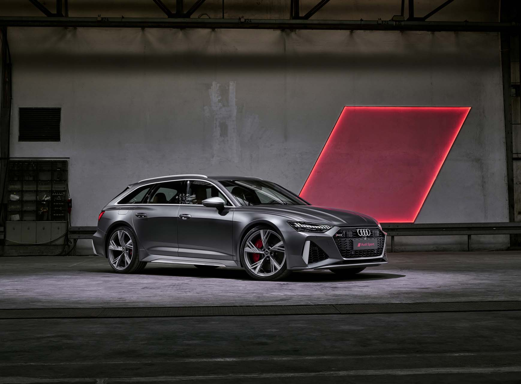 Audi RS 6 Avant is finally coming to the US