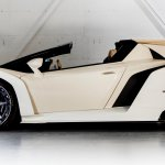 2014 Lamborghini Veneno Roadster side