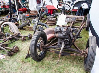 'Golden Oldies' featured at Beaulieu's International Autojumble