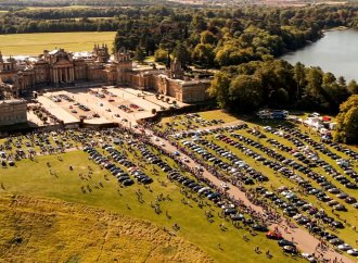 Bentley owners set record as 1,321 gather at  Salon Privé
