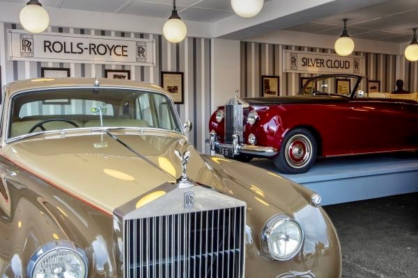 Rolls-Royce, For one weekend, Rolls-Royce recreates 1959 auto show display, ClassicCars.com Journal