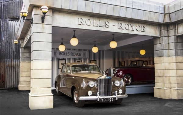 For one weekend, Rolls-Royce recreates 1959 auto show display