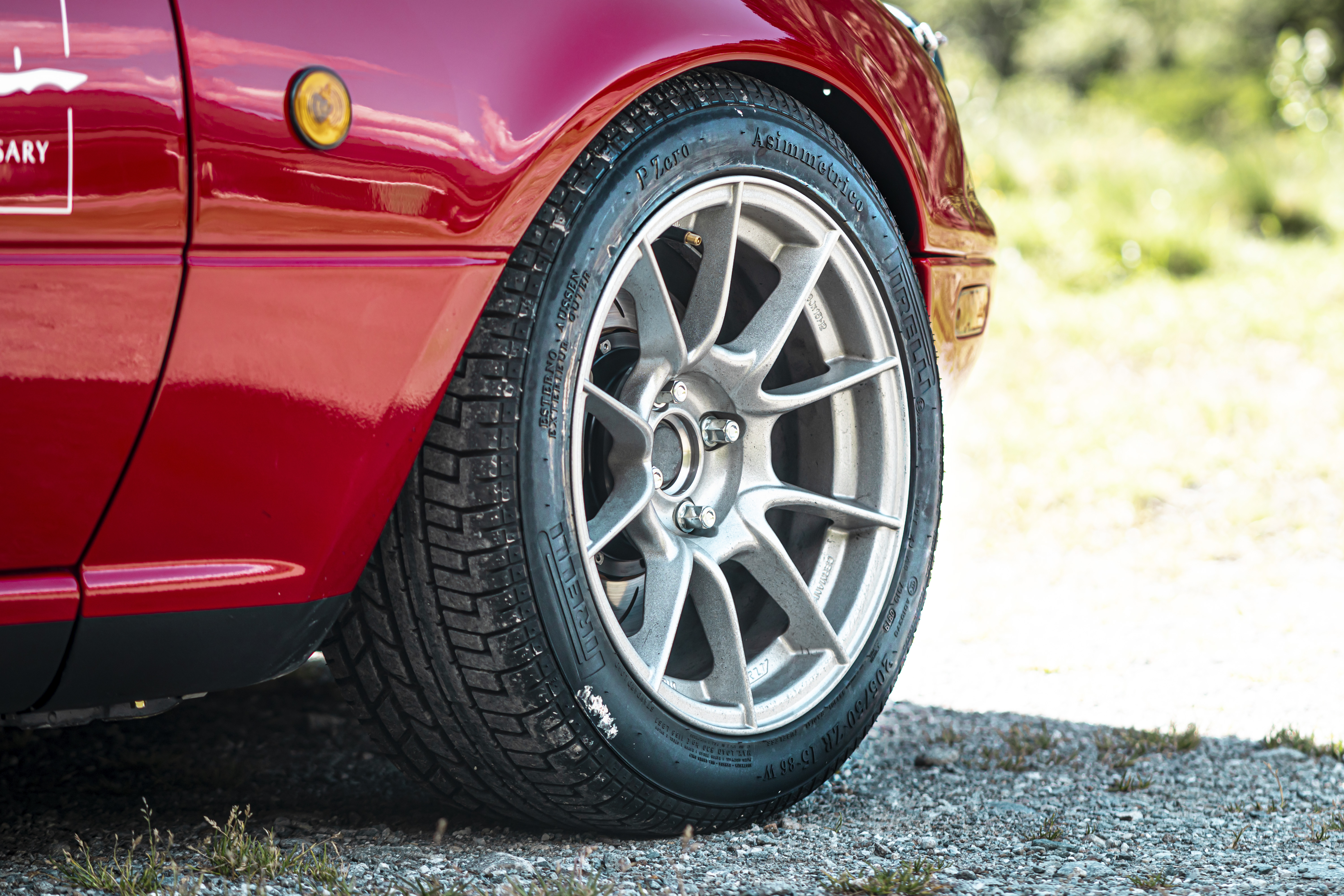 Vintage Miata claims record for most hairpin curves in 12