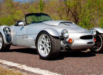 Panoz Roadster done in WWII fighter livery