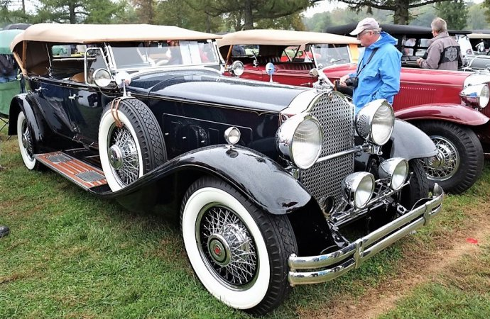 Mammoth 65th annual Hershey antique car show and swap meet kicks off