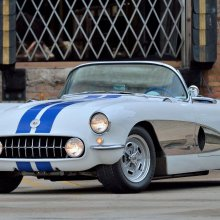Mecum offers about 1,000 collector cars for annual Chicago auction