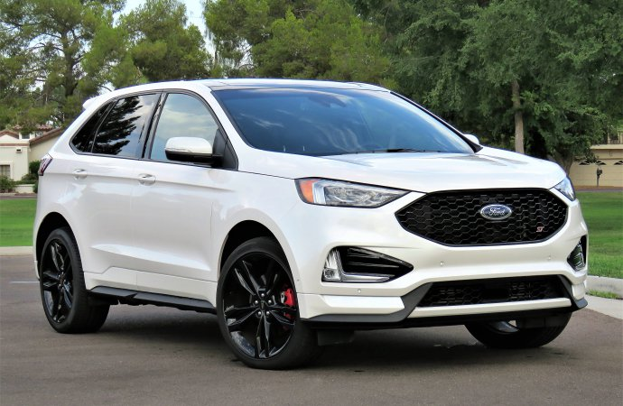 Ford Edge goes from dull to dynamic with ST performance package