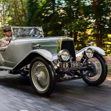 'Cloverleaf' Aston Martin returns to Aston Hill 95 years later