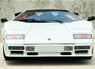 High-performance Lamborghini Countach Downdraft offered by Russo and Steele