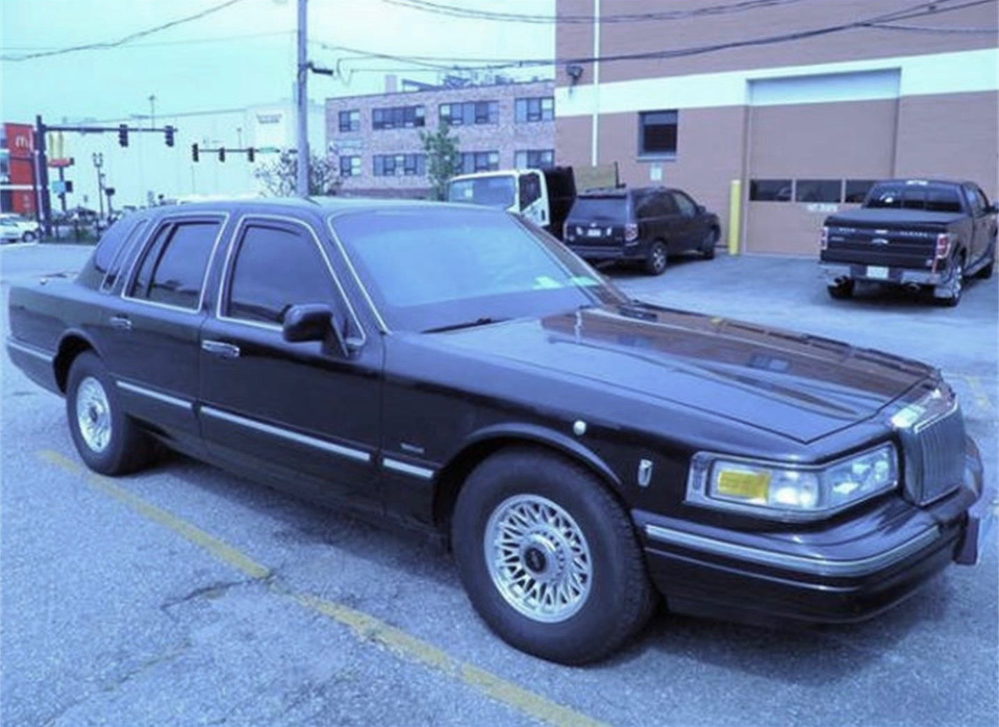 Armor-protected Lincoln Town Car for less than 10 grand