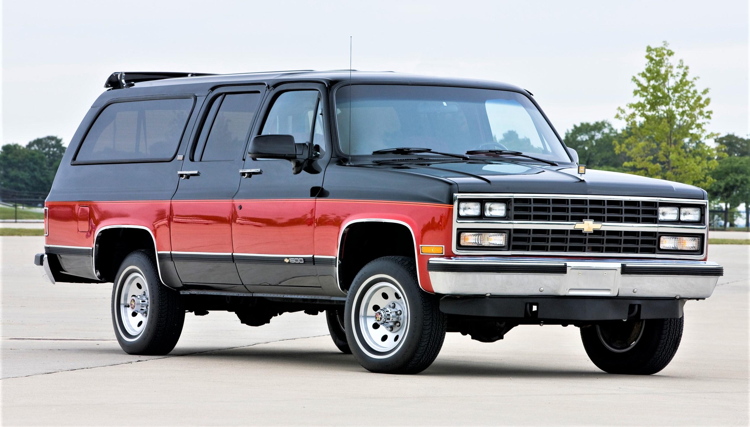 suburban, Chevrolet Suburban, longest-running nameplate, marks its 85th anniversary, ClassicCars.com Journal