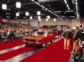 Mecum posts $18.3 million in sales at Chicago auction